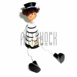 """Деревянная статуэтка на полку """"Веселый морячок с спасательным кругом"""" со свисающими ножками"""