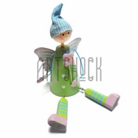 """Деревянная статуэтка на полку """"Фея в зеленом"""" со свисающими ножками"""
