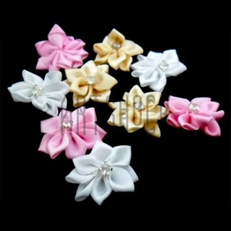 Набор декоративных тканевых цветов с камнем, 3 см., 9 штук