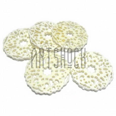 """Набор белых декоративных акриловых камей - кружевных """"печенек"""", Ø3.3 см., толщина 2 мм., 5 штук, REGINA"""