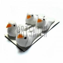 Набор декоративных птичек - голубей для декора, белых, 2 x 3.5 см., 4 штуки, REGINA