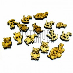 Набор неокрашенных деревянных декоративных резных пуговиц ассорти, 0.9 - 2.2 см., 15 штук, REGINA