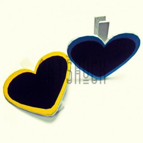 """Набор цветных деревянных декоративных табличек """"Сердце"""" на прищепке для написания мелом , 5 x 4 см., 2 штуки, REGINA"""