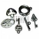 """Набор подвесок """"Ключики и замки"""" серебристых для скрапбукинга, 2 - 3 см., 6 штук, REGINA"""