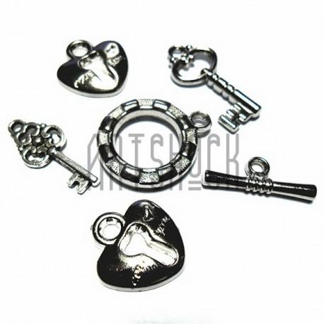 """Набор подвесок """"Ключики и замки"""" серебристых для скрапбукинга, 1.8 - 3.8 см., 6 штук, REGINA"""