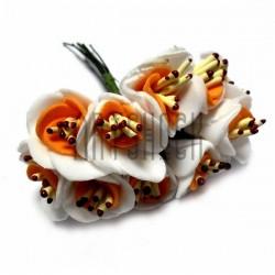Набор декоративных розочек из фоамирана с тычинками на проволоке, бело - оранжевого цвета, Ø20 - 25 мм., 10 штук, REGINA