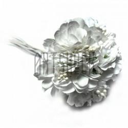 Набор декоративных чайных роз из шелка с тычинками на проволоке, белого цвета, Ø30 - 40 мм., 6 штук, REGINA