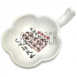 Фарфоровое блюдце - подставка для кисти из белой керамики